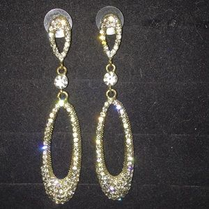 Shoe Dazzle Jewelry - Shoedazzle Crystal tear drop dangle earrings